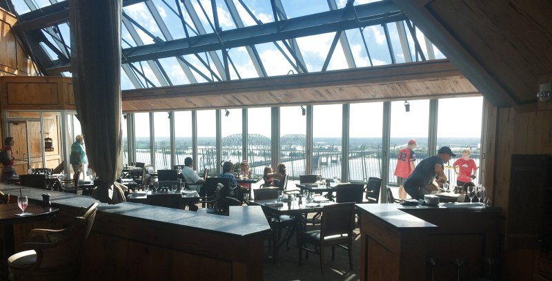 Memphis Tennessee: The Lookout at the Pyramid Restaurant - Bass Pro Shops